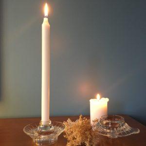 Bougeoirs en verre  -  La décoration
