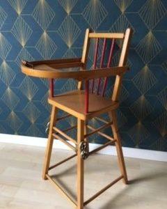Chaise haute de poupée  -  Le bois