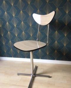 Chaise Formica pivotante  -  La maison