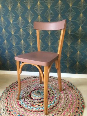 Chaise chaise bistrot (mise en peinture vieux rose)