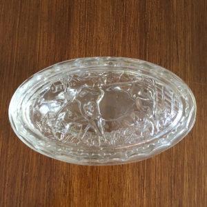 Beurrier en verre moulé  -  La maison