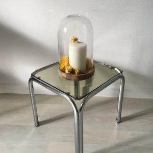 Petite table basse / bout de canapé  -  La décoration