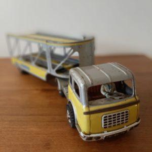 Ancien camion jouet Joustra  -  La décoration