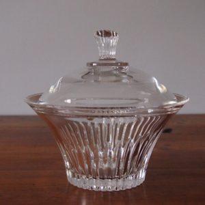 Bonbonnière en cristal  -  La décoration