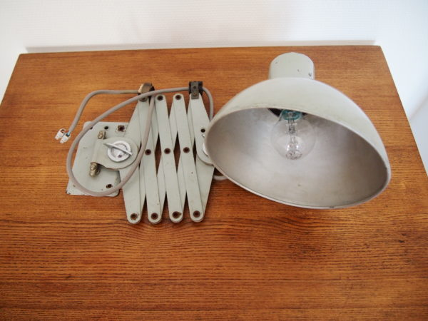 Lampe ciseaux / accordéon  -  L'éclairage