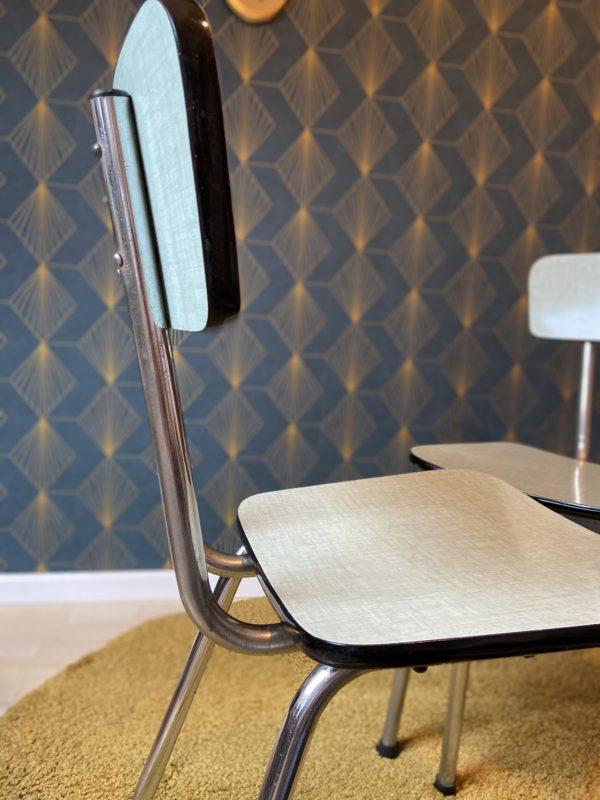 Chaise en Formica  -  La maison