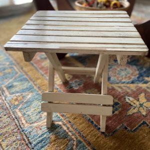 Tabouret en bois pliable  -  La maison