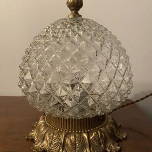 Lampe à poser en verre pointe de diamant  -  L'éclairage