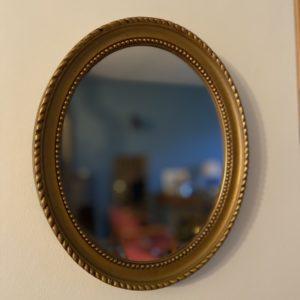 Miroir ovale  -  La décoration