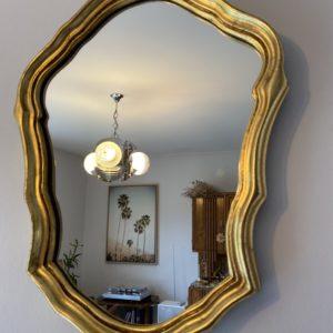 Miroir en bois doré  -  La décoration
