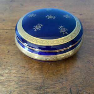 Boîte à bijoux porcelaine de limoges  -  La décoration