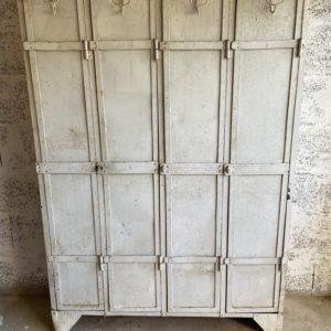 Vestiaire industriel vintage  -  La maison