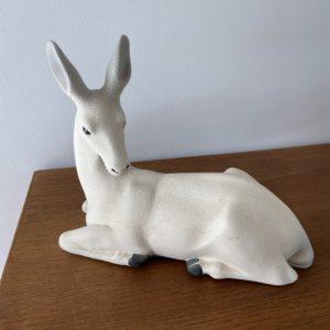 Statue de biche  -  La faience - porcelaine - céramique