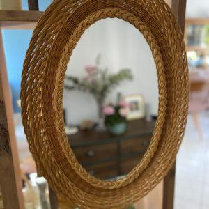 Miroir ovale en rotin  -  La décoration