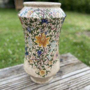 Grande jarre émaillée  -  La décoration