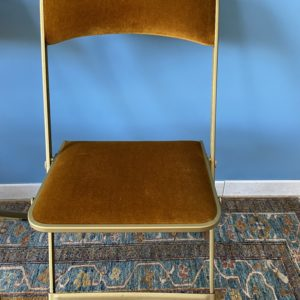 Chaise pliante velours  -  La maison